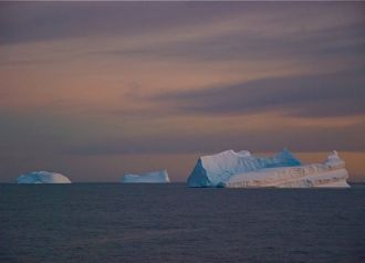 Dawn in the Antarctic Sound. Click on the image for more ...