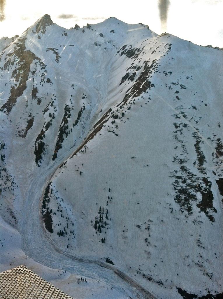 Upper Paradise Basin slide. PHOTO COURTESY COLORADO AVALANCHE INFORMATION CENTER.