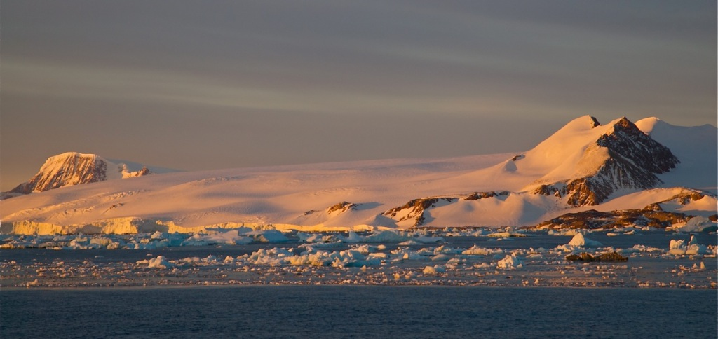 Disintegration of ice shelves in East Antarctica could result in a spiraling increase in sea levels. PHOTO BY BOB BERWYN.
