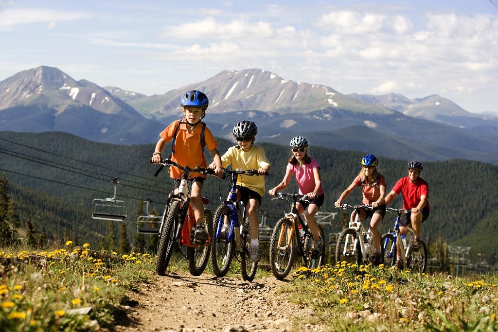 Family mountain biking fun at Keystone, Colorado. PHOTO COURTESY VAIL RESORTS.