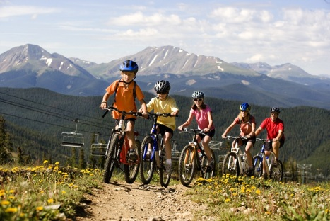Family mountain biking fun at Keystone, Colorado. PHOTO COURTESY VAIL RESORTS.