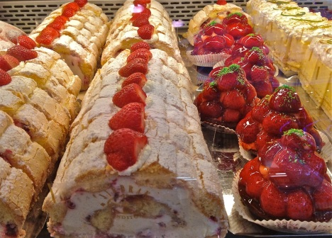 The pastry case at any self-respecting Austrian bakery features at least a dozen types of fruit and cream-filled concoctions that will give you a daily dose of calories in just one helping.