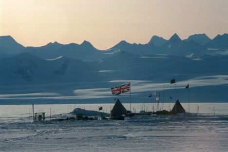 British camp deep field, Lake Ellsworth. PHOTO COURTESY BRITISH ANTARCTIC SURVEY.