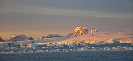Researchers are starting to understand how shifting wind patterns are driving changes in Antarctic sea ice extent. Bob Berwyn photo.