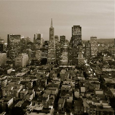 In this evening view of the San Francisco skyline from the Coit Tower, I was chasing an old-time cityscape feel, so I desaturated the image but added some warmth.