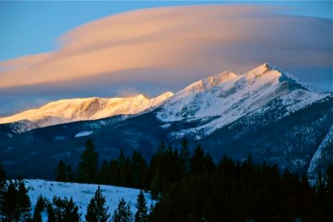 A mid-winter sunrise over the Tenmile Range.