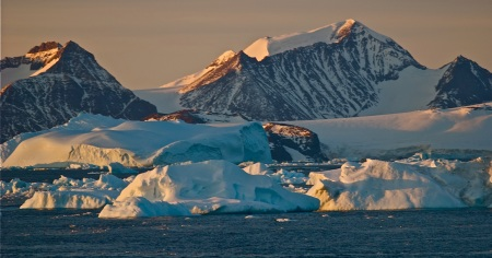 Global weirding? Antarctic sea ice hits record highs and South Pole sees record high temps. bberwyn photo.