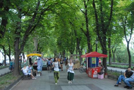 Summer stroll along an Odessa boulevard.