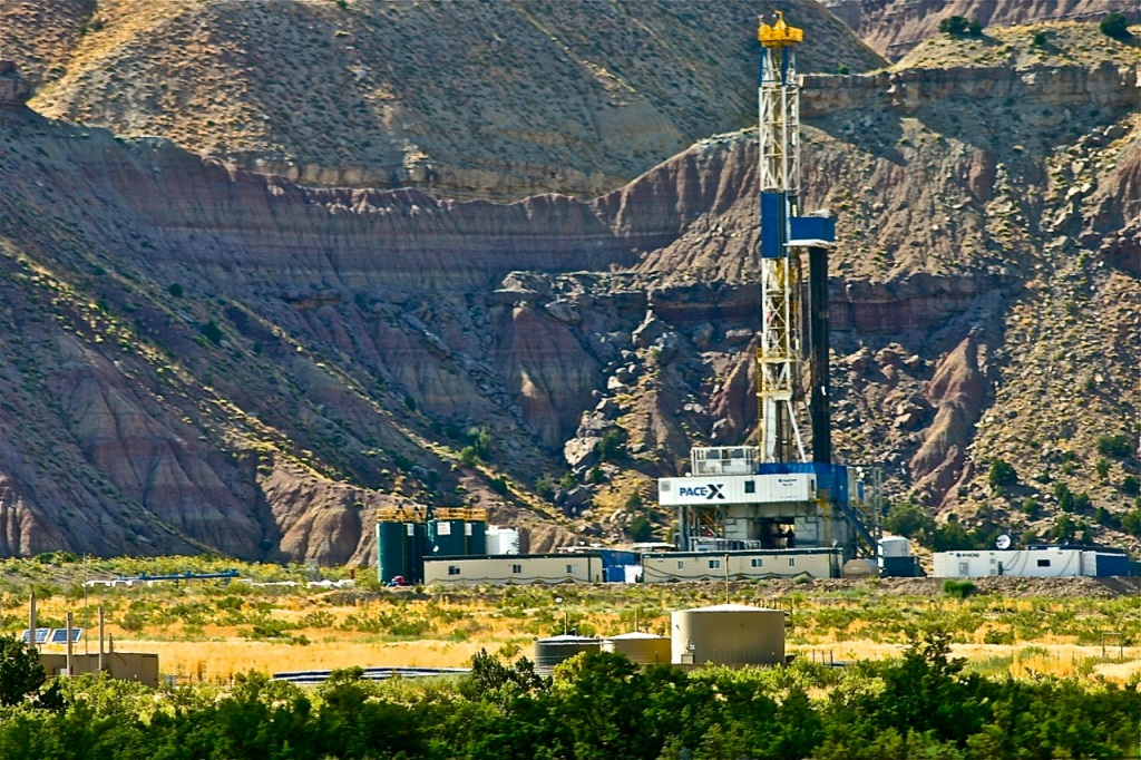 fracking rig in Colorado