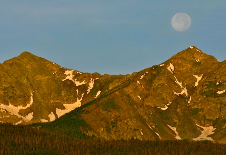 Moon set over the Tenmile Range.
